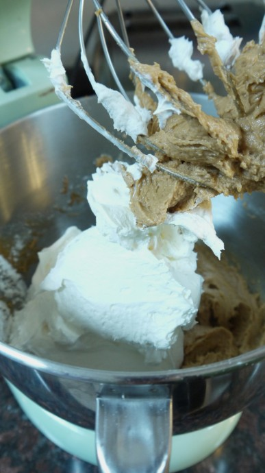 adding Cool Whip to pie filling